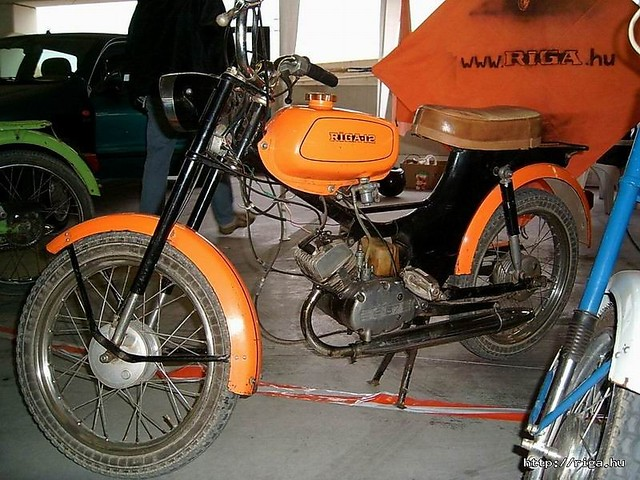 http://content0-foto.inbox.lv/albums113428858/pitbull223/mopeds-Riga/RIga12-ungarijaa.sized.jpg