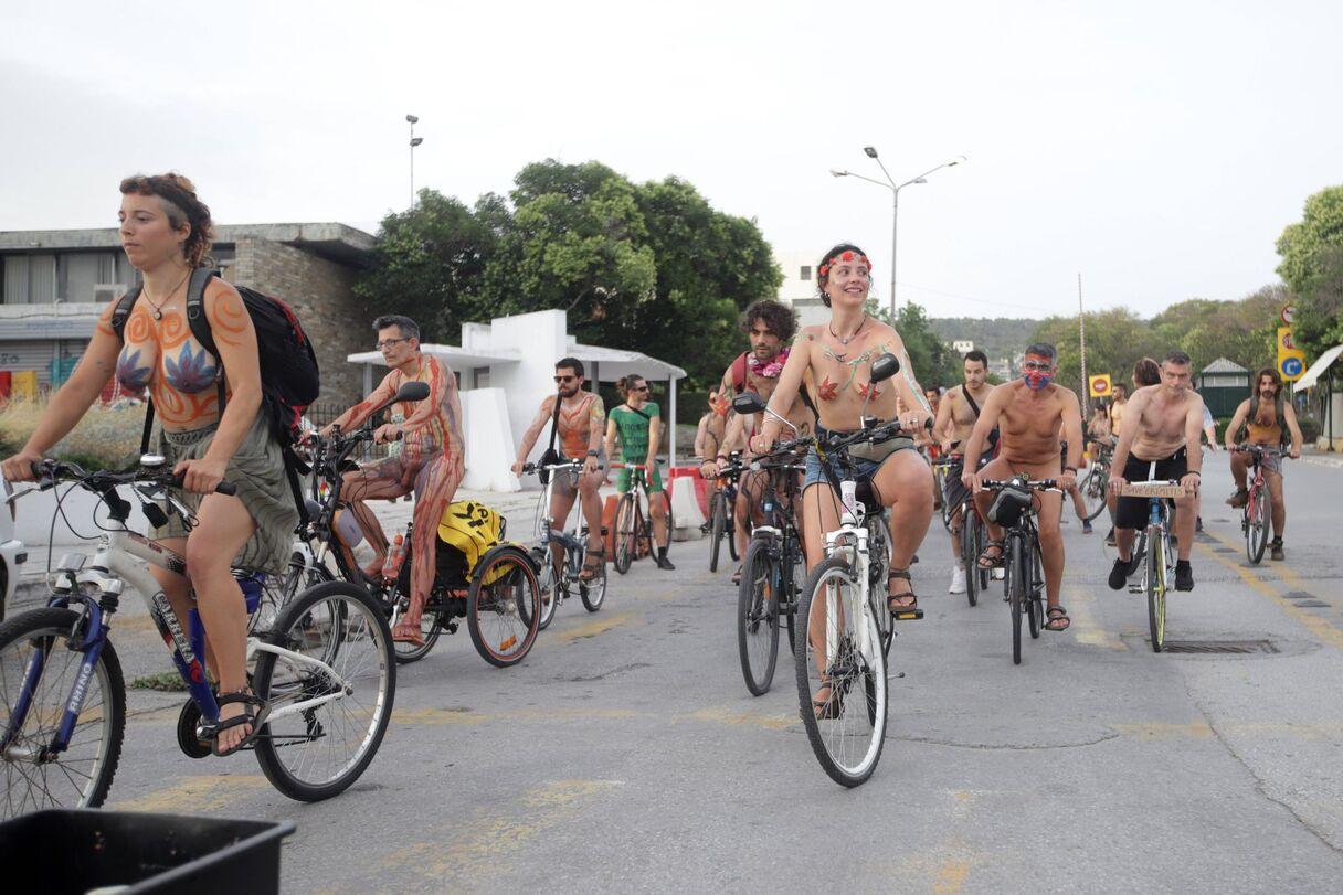 Pikanti 9 foto: Kaili velosipēdisti izbrauc Grieķijas ielās