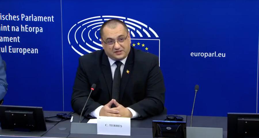 Video: ES parlamentārieši stingri iebilst pret «Covid-19» esošajām represijām