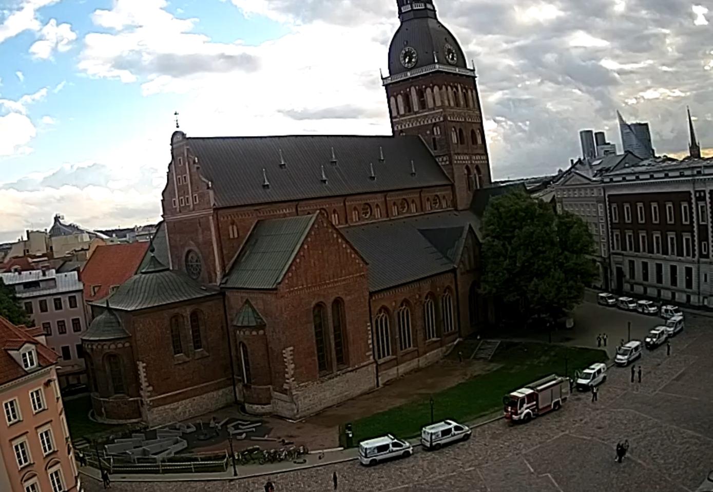 Foto: ekrānuzņēmums no Tiešsaistes kameras Rīgā - Rīgas Doms un Doma laukums