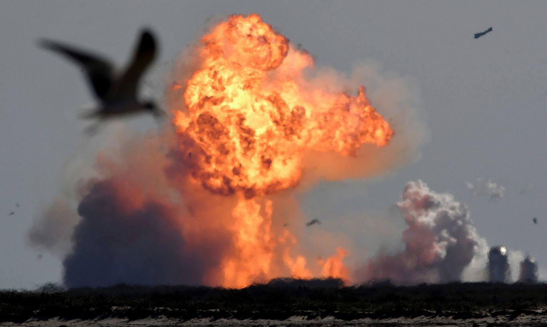Izmēģinājuma lidojuma laikā eksplodējis