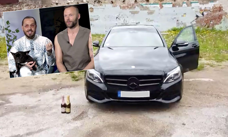 Kašers ar mīļoto Jāni iegādājušies jaunu auto