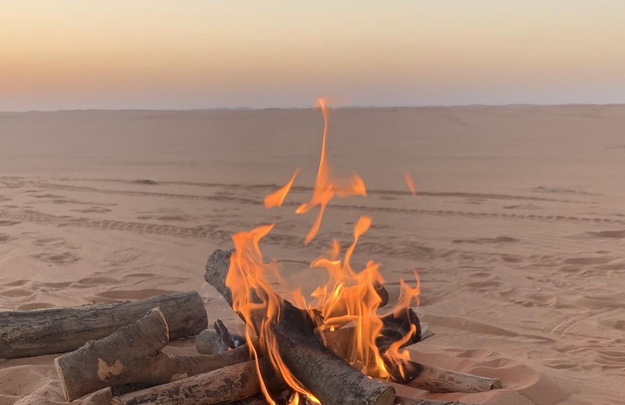 Drīkst vai nedrīkst: Viss par ugunskura kurināšanu pludmalē pie jūras