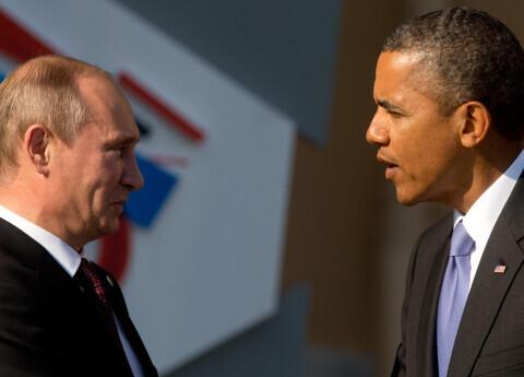 """Obama Putinu raksturo kā fiziski """"neiespaidīgu, īsu un kompaktu"""" cilvēku - Obama grāmatā neierasti atklāti stāsta par pasaules varenajiem"""