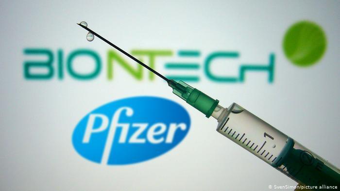 Vairāki mediķi pirms otrās vakcīnas esot saslimuši ar Covid-19