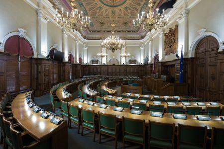 Virza likumprojektu, kas ļautu atcelt ārkārtējo situāciju