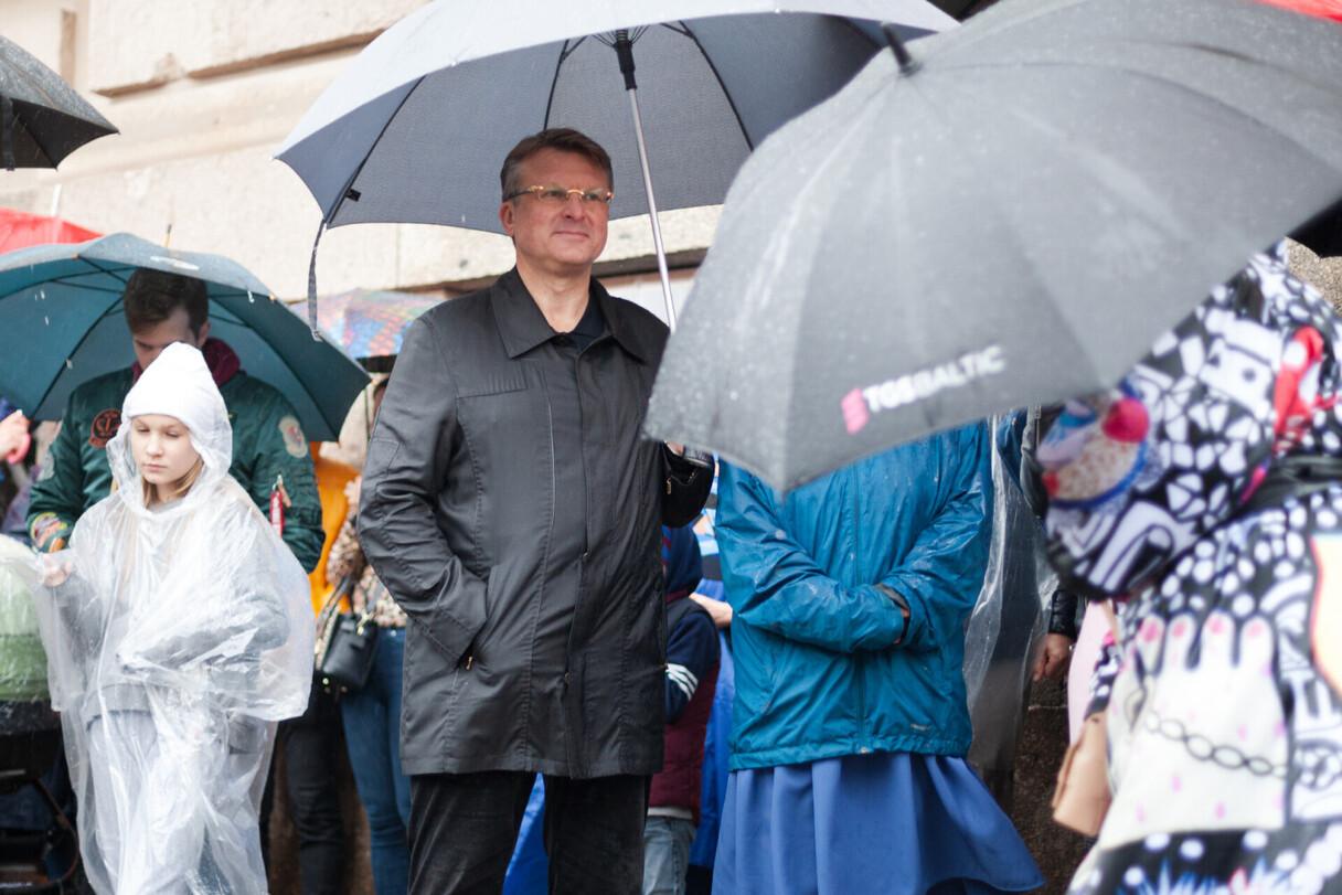 Aināra Šlesera rīkotais protests pret obligāto vakcināciju Doma laukumā 25. augustā