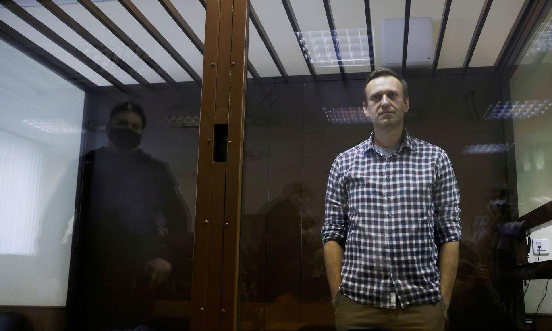 Bēdīgas ziņas par tiesnesi, kas Navaļnijam aizstāja nosacītu sodu ar reālu