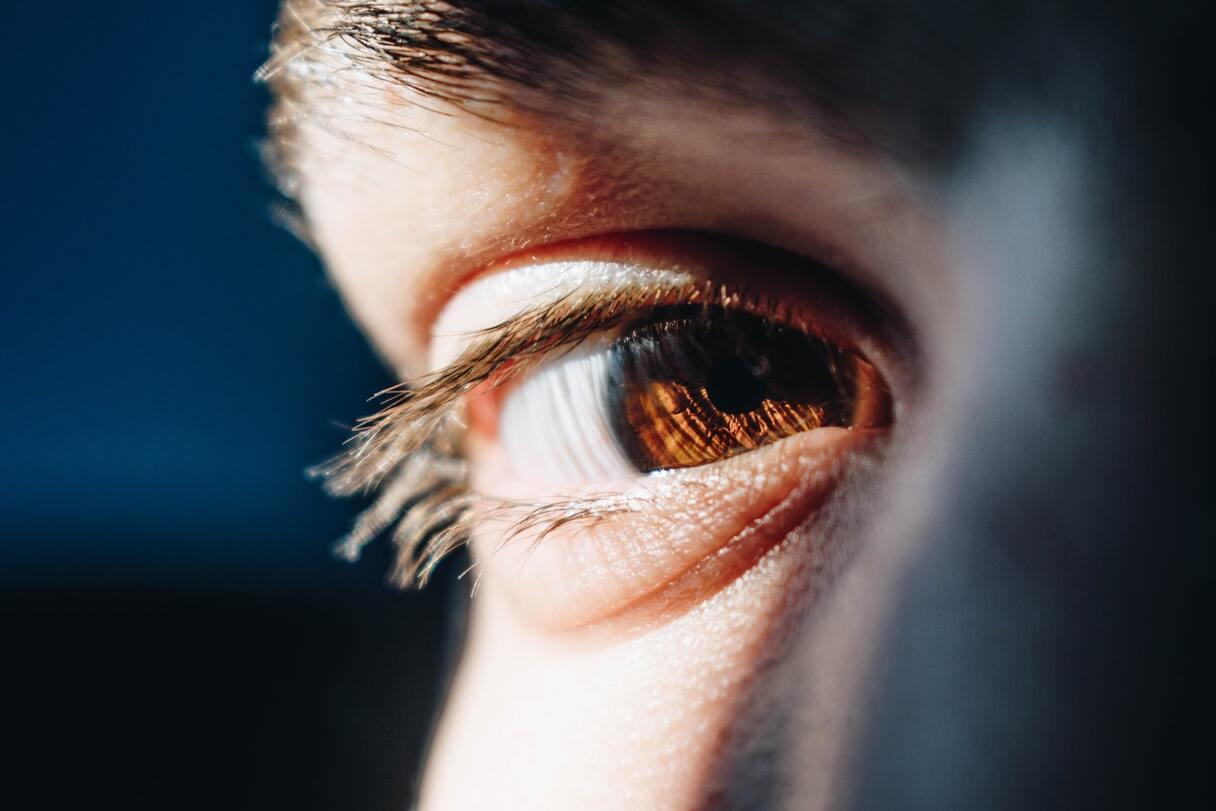 Fakti par acs plakstiņu raustīšanos
