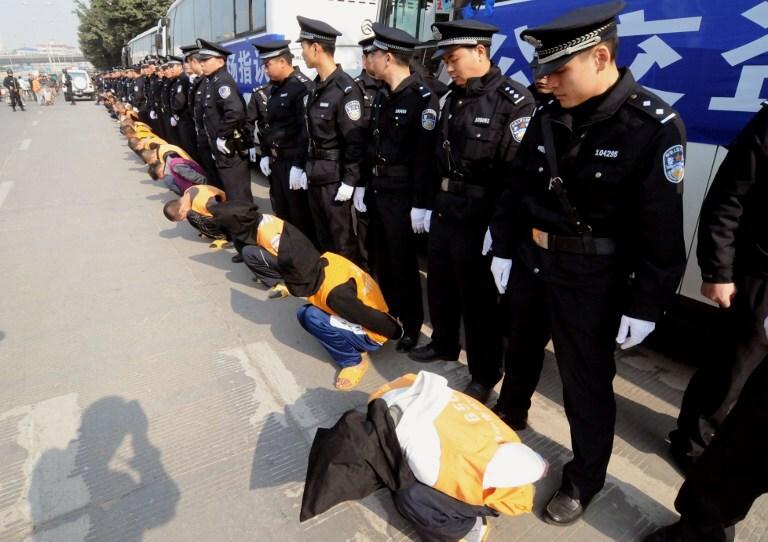 Ķīnā piespriež nāvessodu par Covid-19 karantīnas neievērošanu