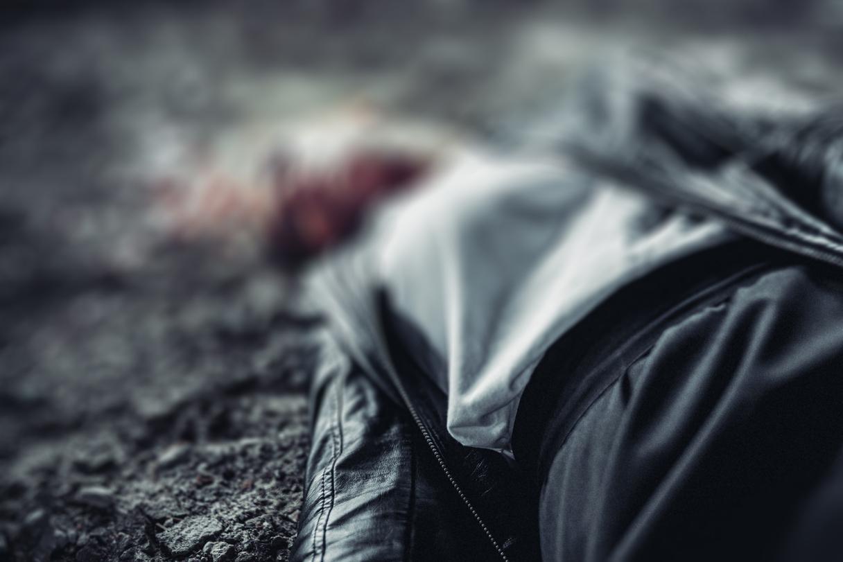 Jelgavā izmeklē saistītas divu jaunu cilvēku nāves
