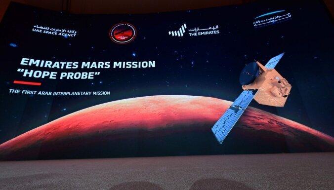 Ķīnas Tianwen-1 pirmo reizi sasniedz Marsu un sekmīgi ievada pavadoni orbītā