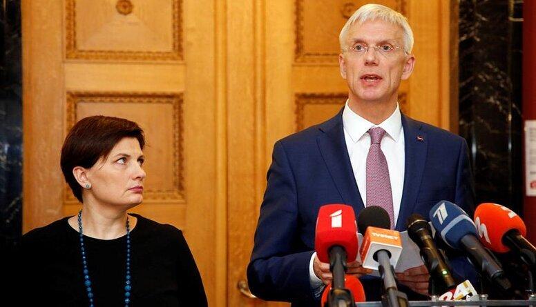 NRA: Latvijā nosaka komandantstundu, ārkārtējo situāciju pagarina līdz 7.februārim