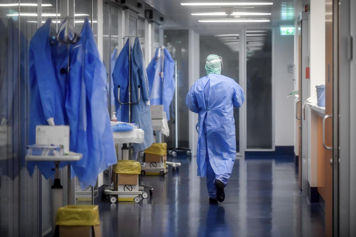 Nesen atlaida vai paši uzrakstīja atlūgumu, bet šobrīt Veselības ministrija meklē vietā ārstniecības personas C-19 pacientu ārstēšanai