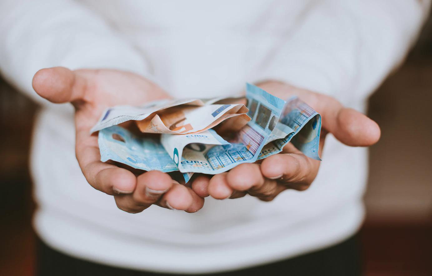 No 2021. gada 1. janvāra Latvijā minimālā alga būs 500 eiro