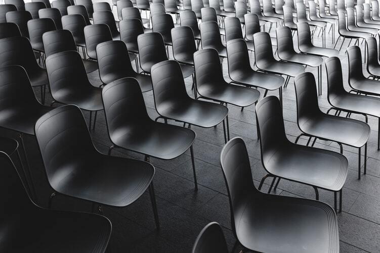 Latvijas diskriminētie (nevakcinētie pret Covid-19) jaunieši pameklēs citu vietu, kur studēt