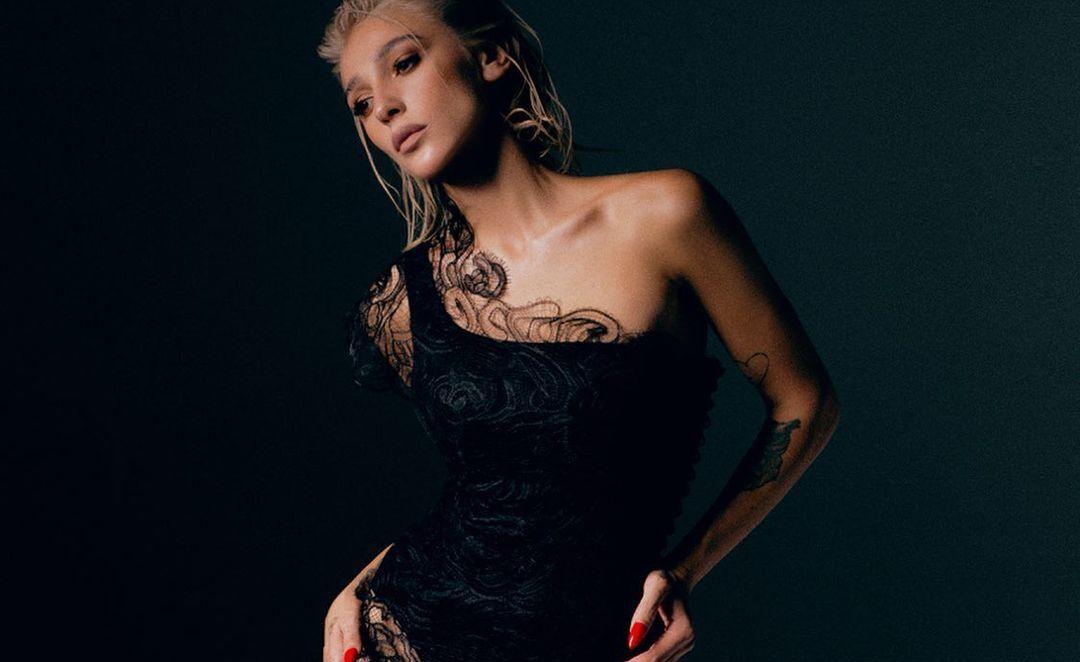 Populārā krievu blogere Nastja Ivļejeva žurnālam Playboy pozē pilnīgi kaila