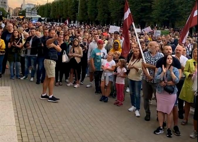 Video: Deputāta Gobzema sasaukts protests