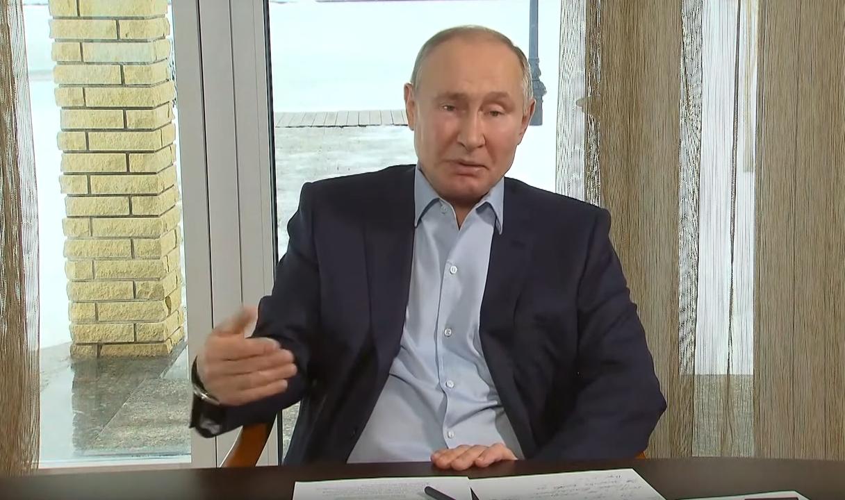 Video: Putins beidzot komentē Navaļnija video par grezno pili Melnās jūras krastā
