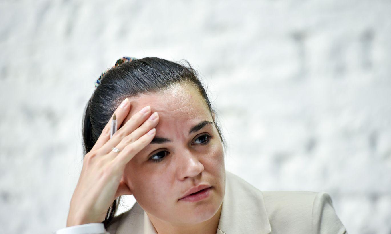 Tihanovska nāk klajā , kas lika pārcelties uz Lietuvu