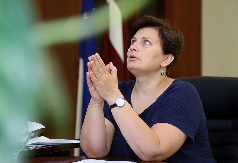 Veselības ministre Viņķele apstiprina demisijas pieprasījumu