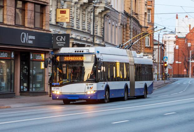 Video: Rosina iniciatīvu manabalss.lv par deputātu degvielas izdevumu kompensācijas aizstāšanu ar sabiedriskā transporta biļetēm